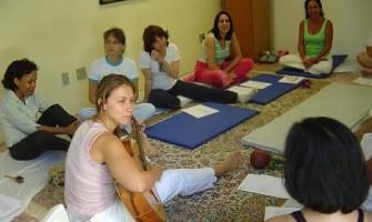 Espaço Gerar realiza encontro 'Terapia do Canto Sagrado' com Viviane Querino dia 28 de novembro