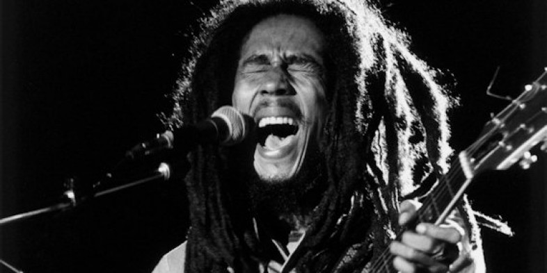 'War', por Bob Marley