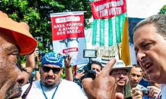 'Folião interpela Eduardo Campos', por Ana Lira
