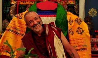 Lama Padma Samten faz palestra sobre 'O aprendizado emocional'