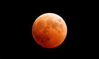 Eclipse Lunar Total! E Superlua!