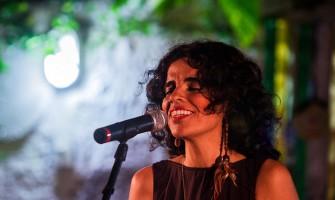 Lu Rabelo faz show nesta sexta no projeto Tropicamericanas