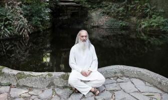 Sri Prem Baba fala sobre meditação nas escolas