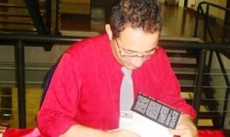 Escritor Adelson Costa fala sobre o livro 'As Flores de Ruanda'