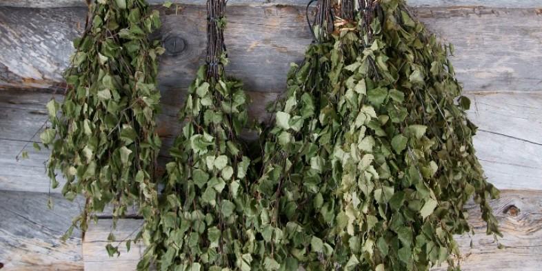 Aprenda a fazer uma vassoura de ervas e purifique as energias do seu lar