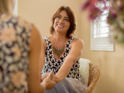 [AGENDA] Terapeuta Jeanne Duarte oferece atendimentos com Constelação Familiar