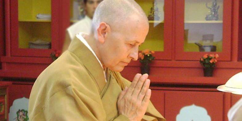 """Monja Coen dá dica de meditação """"para descansar a alma"""""""