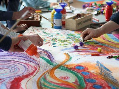 [AGENDA PE] Atelier Expressivo realiza vivências de técnicas artísticas voltadas a profissionais da Saúde e Educação